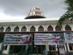 Hasil gambar untuk Imam Masjid Musyahadah Dipecat Sepihak, Jamaah Demo
